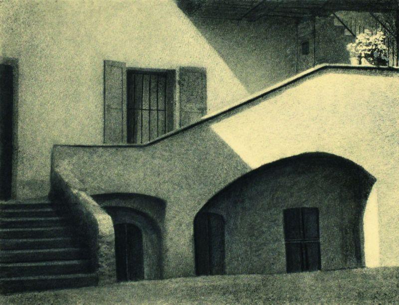 Domenico Riccardo Peretti Griva, Sole nel cortile, ante 1930 Stampa al bromolio trasferto Collezione Museo Nazionale del Cinema