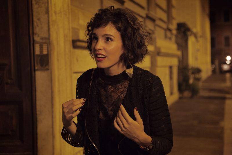 Veronica Echegui è Claudia