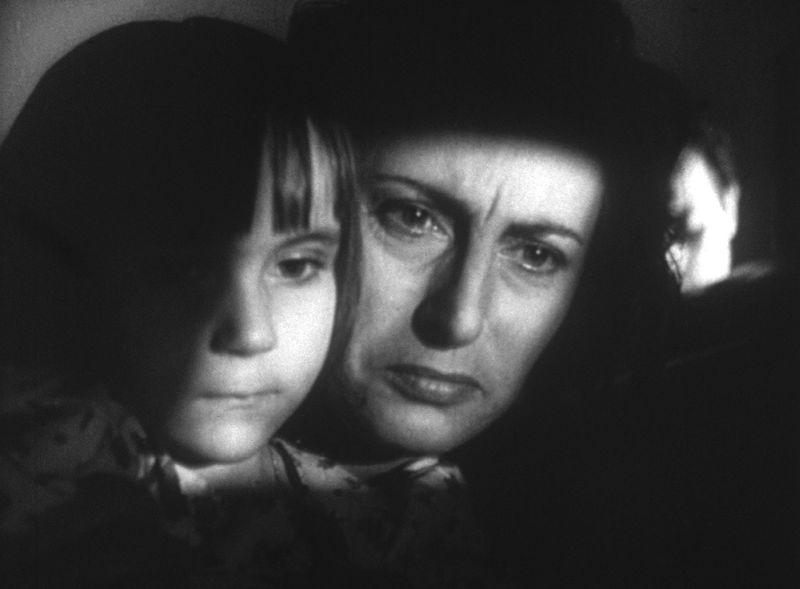 """Anna Magnani e Tina Apicella in """"Bellissima"""""""