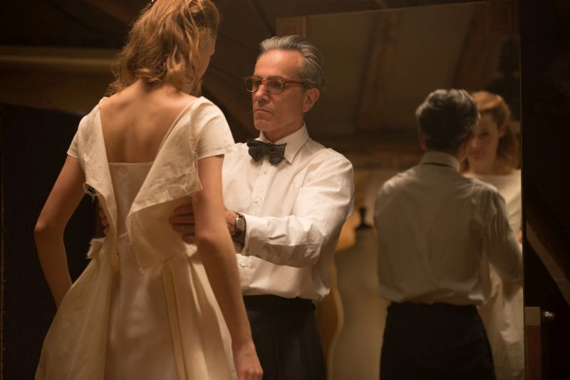 Daniel Day-Lewis nelle vesti di Reynolds Woodcock. Photo Credit : Laurie Sparham / Focus Features