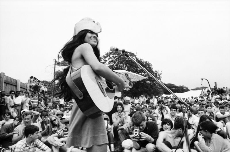 NEWPORT, RI - JULY 1967: Singer songwriter and activist Buffy Sainte-Marie performs at the Newport Folk Festival in July, 1967 in Newport, Rhode Island. (Photo by David Gahr/Getty Images)