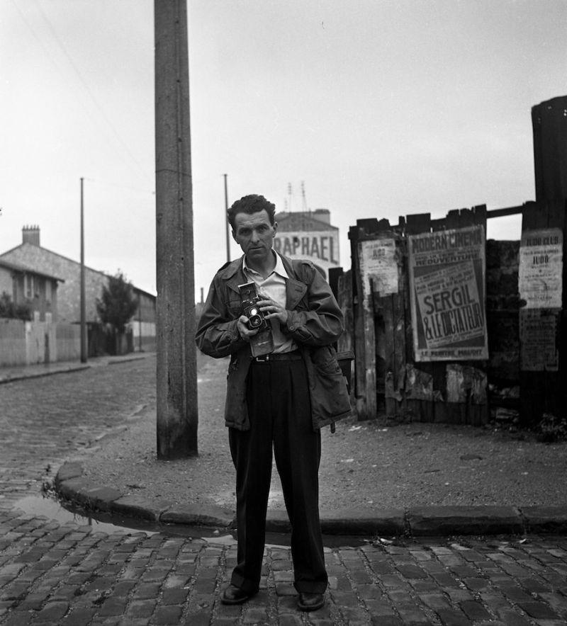 Robert Doisneau Autoportrait, Villejuif 1949 26 x 27 cm © Atelier Robert Doisneau
