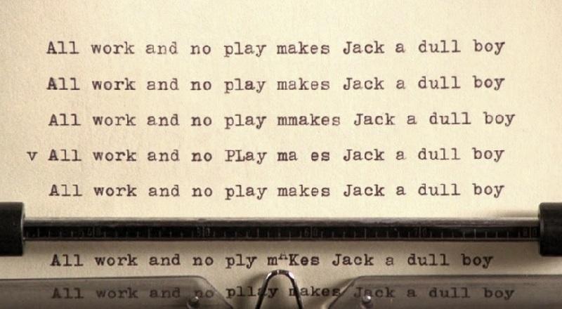 """La celeberrima macchina da scrivere di Jack Torrance nel claustrofobico """"Shining"""" di Stanley Kubrick (1980)"""