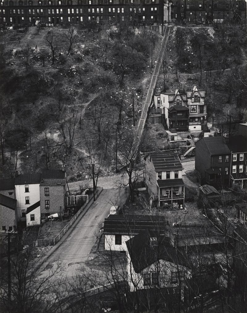 W. Eugene Smith, USA, 1918-1978 Area residenziale / City Housing, 1955-1957 Stampa ai sali d'argento / gelatin silver print 33.97 x 26.67 cm Gift of the Carnegie Library of Pittsburgh © W. Eugene Smith / Magnum Photos