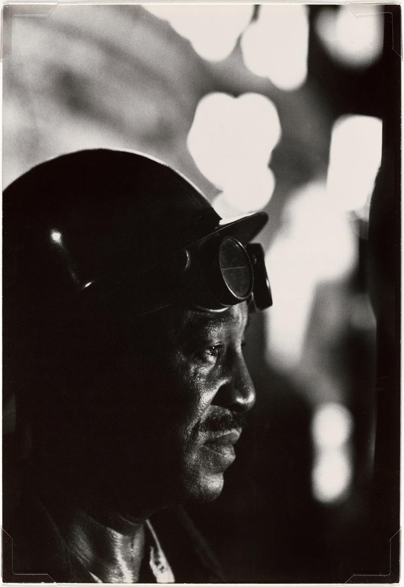 W.Eugene Smith, USA, 1918-1978 Operaio in un'acciaieria / Workman in Mill, 1955-1957 Stampa ai sali d'argento / gelatin silver print 33.97 x 23.49 cm Gift of the Carnegie Library of Pittsburgh, Lorant Collection. © W. Eugene Smith / Magnum Photos