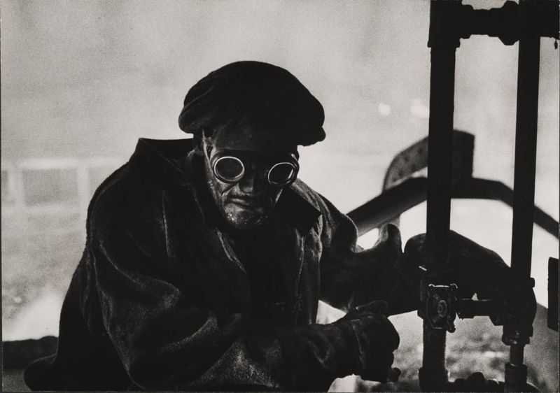 W.Eugene Smith, USA, 1918-1978 Forgiatore / Steelworker, 1955-1957 Stampa ai sali d'argento / gelatin silver print 23.49 x 33.34 cm Gift of Vira I. Heinz Fund of the Pittsburgh Foundation © W. Eugene Smith / Magnum Photos