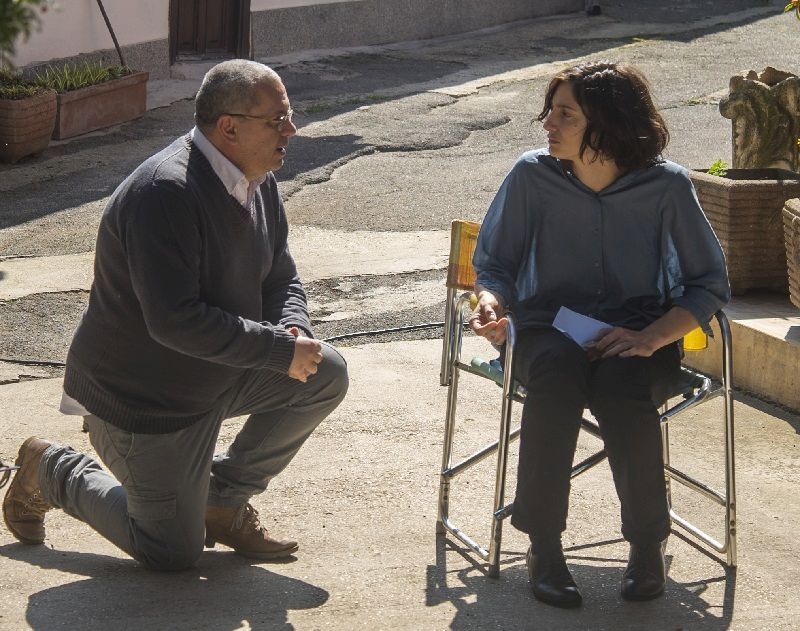 Luca Biglione sul set con Francesca Inaudi