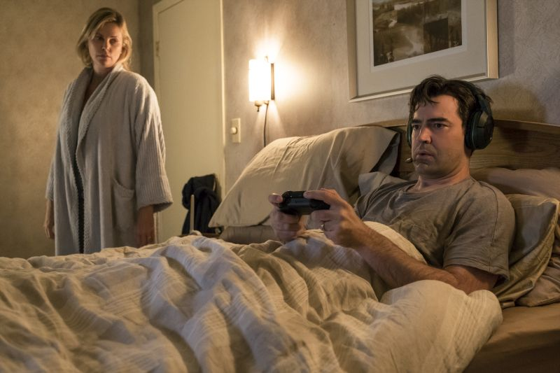 Charlize Theron e Ron Livingston