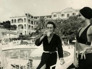 29.Walter Albini, Collezione Cina per Cole of California- Mare Moda Capri, Primavera/Estate 1969, Stampa fotografica in bianco e nero su carta bromuro d'argento, mm 298 × 239