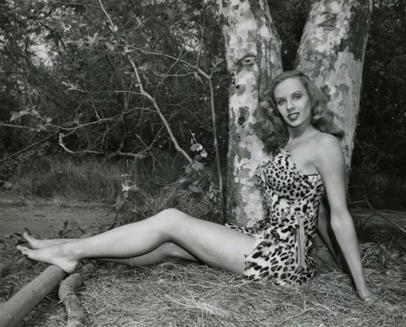 Mara Lynn in Prehistoric Women (Donne pantere) di Gregg G.Tallas,1950