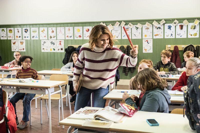 "L'attrice Paola Cortellesi (Befana) in una scena del film ""La Befana vien di notte"". (foto di Maila Iacovelli - Fabio Zayed)"