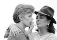 David Bowie ed Elizabeth Taylor. Los Angeles, 1975 © Iconic Images