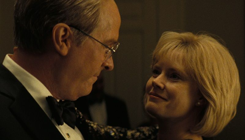 Christian Bale (Dick Cheney) e Amy Adams (Lynne Cheney) Credit : Annapurna Pictures 2018 © Annapurna Pictures, LLC. All Rights Reserved.