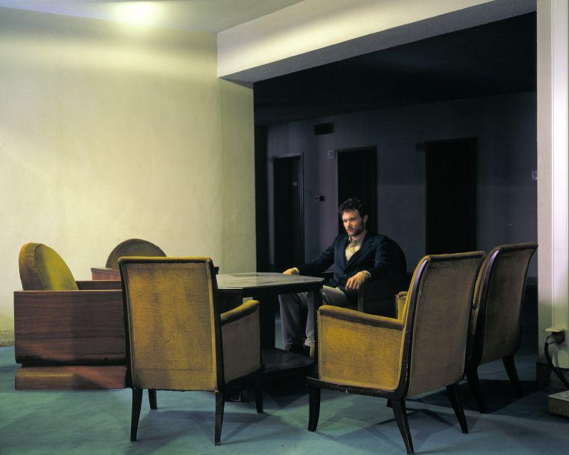 12 minutes silence I/II (2003) Framed Lambda print 100 x 130 cm. - Photo Courtesy Geert Goiris