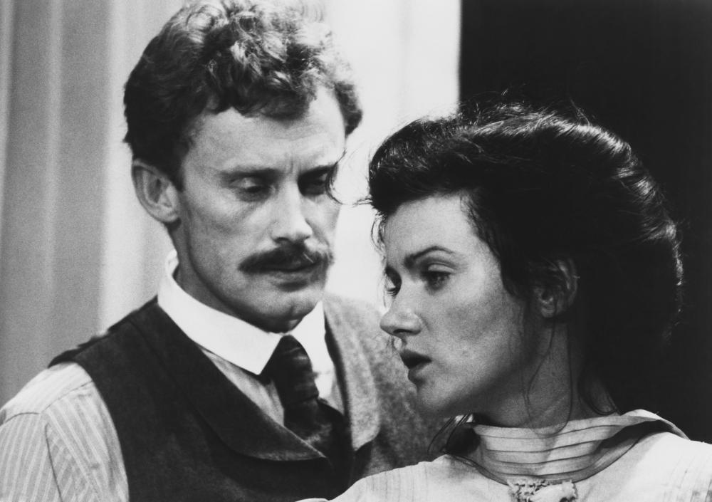 ROSA LUXEMBURG, Daniel Obrychski, Barbara Sukowa, 1986