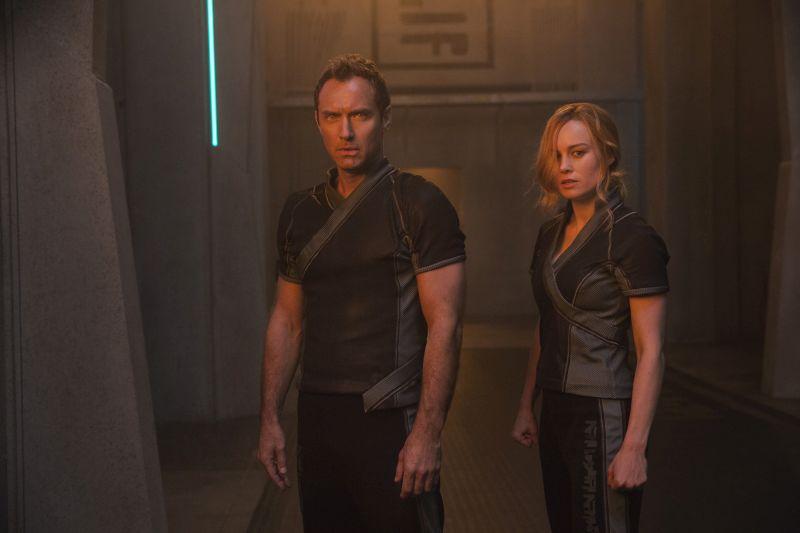 Jude Law e Brie Larson (Photo: Chuck Zlotnick..©Marvel Studios 2019)