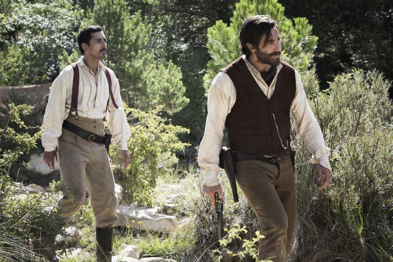 Riz Ahmed e Jake Gyllenhaal Credit : Magali Bragard / Annapurna Pictures