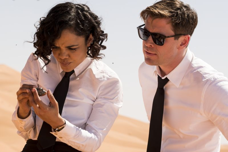 Agente M (Tessa Thompson) e Agente H (Chris Hemsworth)