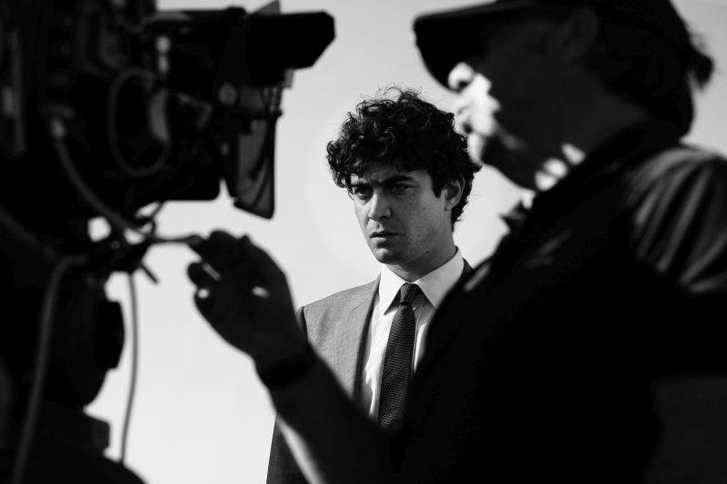 "Riccardo Scamarcio sul set di ""Manuale D'Amore 3"" (photo credit: Tullio Deorsola)"