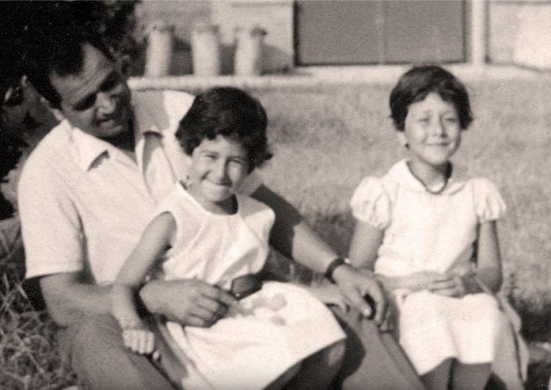 Pino Pinelli con le figlie