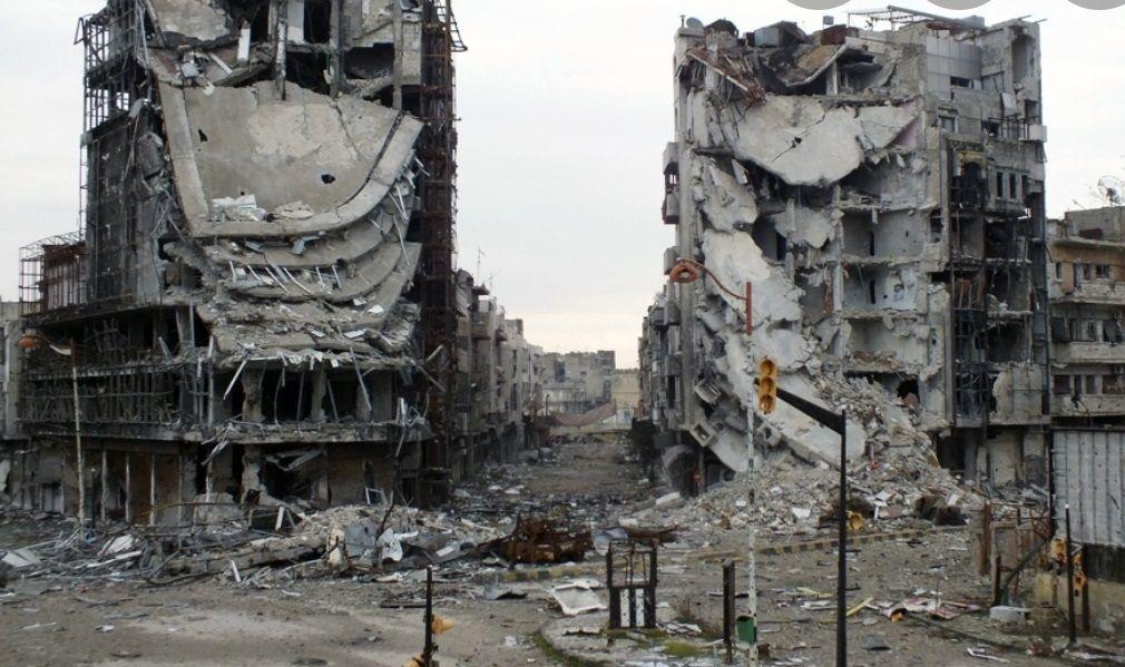 Beirut, due palazzi sventrati