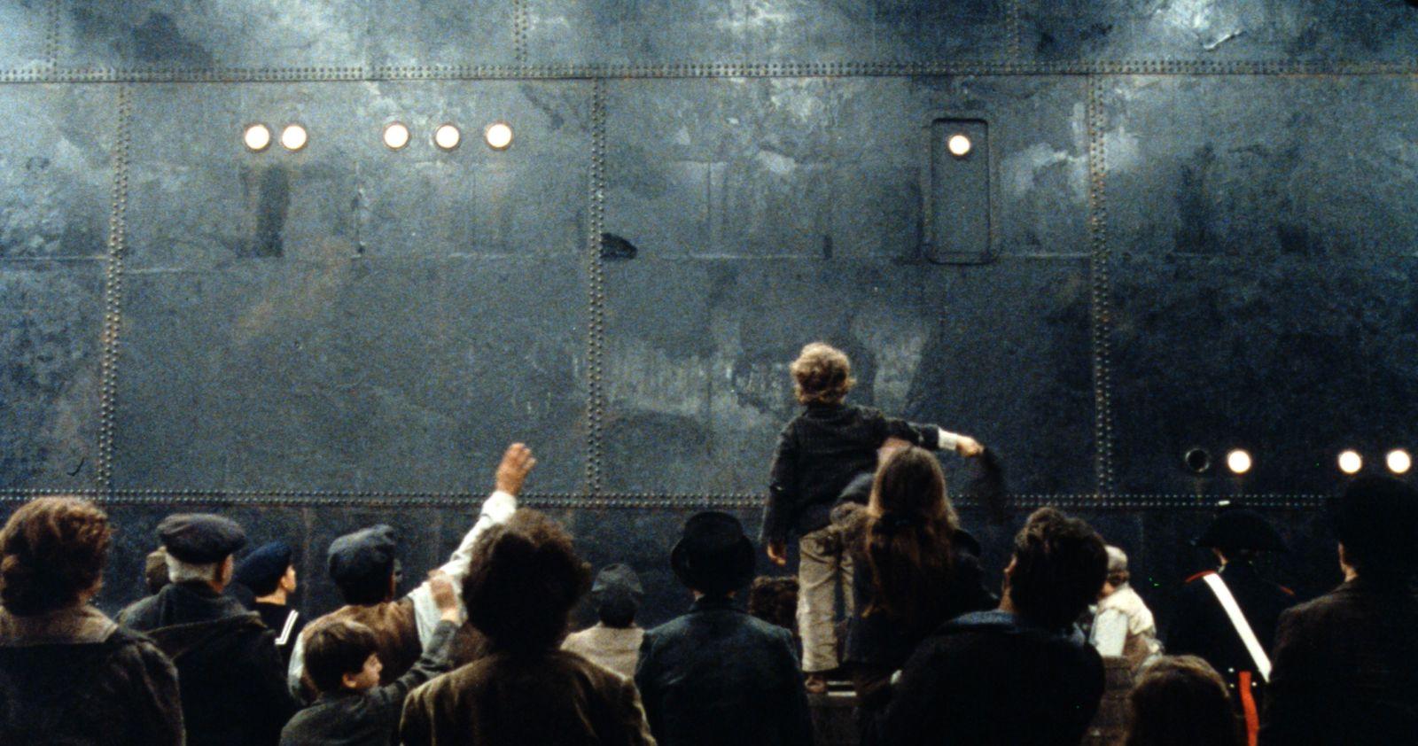 """""""E La Nave Va"""" (credit Cineteca Nazionale)"""
