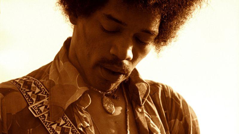 """Zur ARTE-Sendung Jimi Hendrix """"Hear My Train A CominÕ"""" 1: Jimi Hendrix ist bis heute einer der wichtigsten Gitarristen der Rockgeschichte. © Cal Bernstein/Authentic Hendrix, LLC Foto: ARTE Honorarfreie Verwendung nur im Zusammenhang mit genannter Sendung und bei folgender Nennung """"Bild: Sendeanstalt/Copyright"""". Andere Verwendungen nur nach vorheriger Absprache: ARTE-Bildredaktion, Silke Wšlk Tel.: +33 3 881 422 25, E-Mail: bildredaktion@arte.tv"""