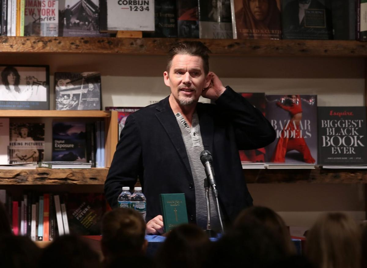 "Ethan Hawke presenta il suo libro ""Le Regole del Cavaliere"""
