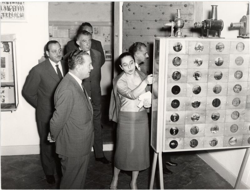 Inaugurazione del Museo del Cinema a Palazzo Chiablese, 27 settembre 1958: in primo piano, Maria Adriana Prolo e il Ministro del Turismo e dello Spettacolo Egidio Ariosto Coll. Museo Nazionale del Cinema