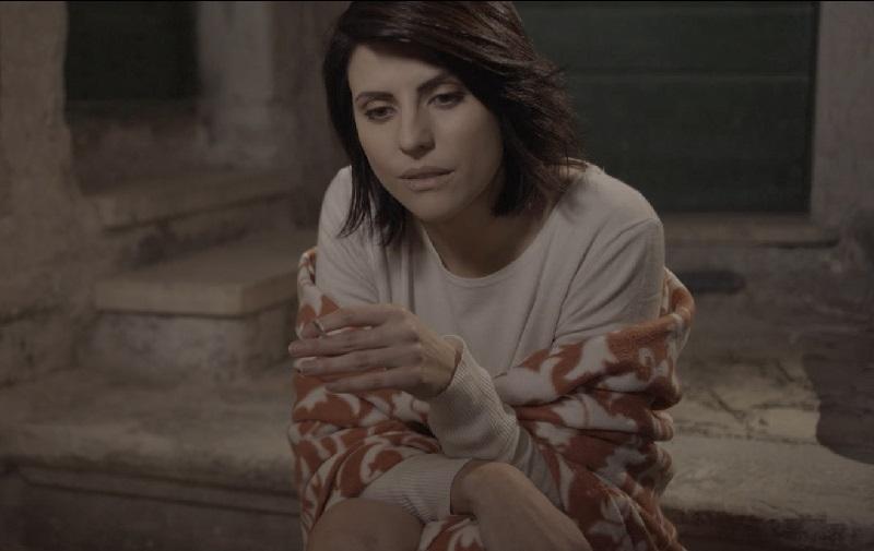"""Jennifer Mischiati in """"Fade Out"""""""