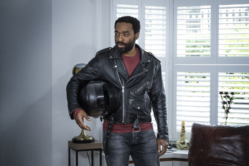 Chiwetel Ejijofor © 2021 Warner Bros. Entertainment Inc. All Rights Reserved. Photo Credit: Susie Allnutt