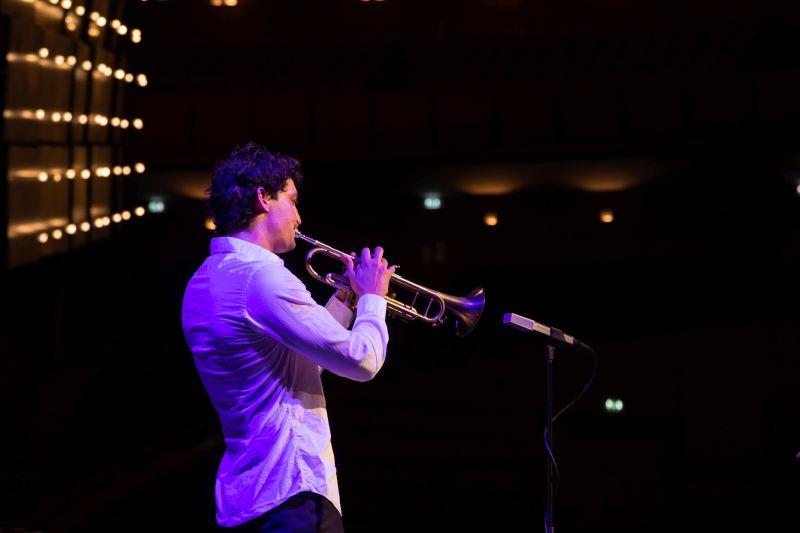 Niels Schneider (foto di Adele Pozzali)