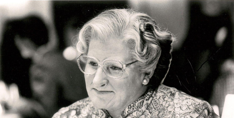 Mrs-Doubtfire-robin-williams-23618258-1875-1216