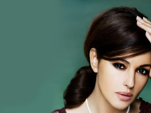 monica-bellucci-wallpaper-32926-33680-hd-wallpapers