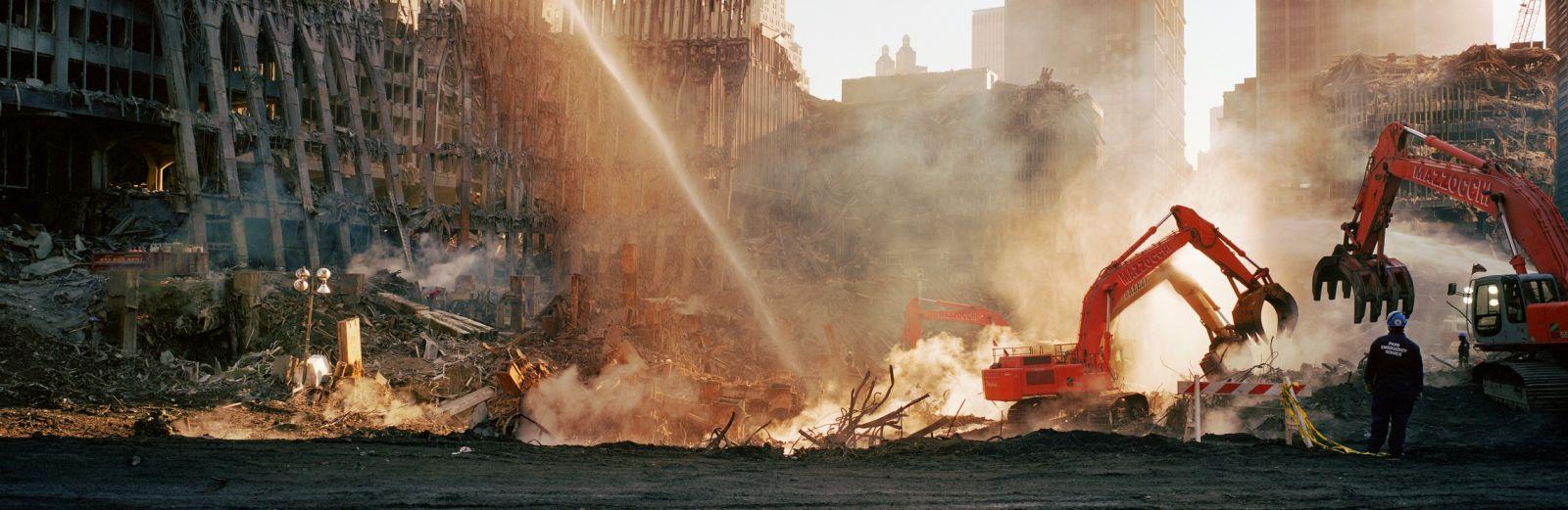 12. Wim Wenders New York, November 8, 2001, III © for the reproduced works and texts by Wim Wenders: Wim Wenders/Wenders Images/Verlag der Autoren 2001 C - Print 178 x 447 cm