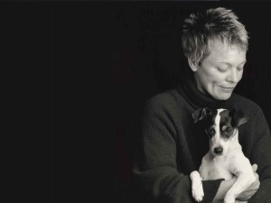 Filmmaker Laurie Anderson and her pet rat terrier, Lolabelle, su