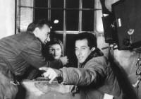 Gillo Pontecorvo sul set del film Giovanna, 1955 Fondo Pontecorvo Collezione Museo Nazionale del Cinema